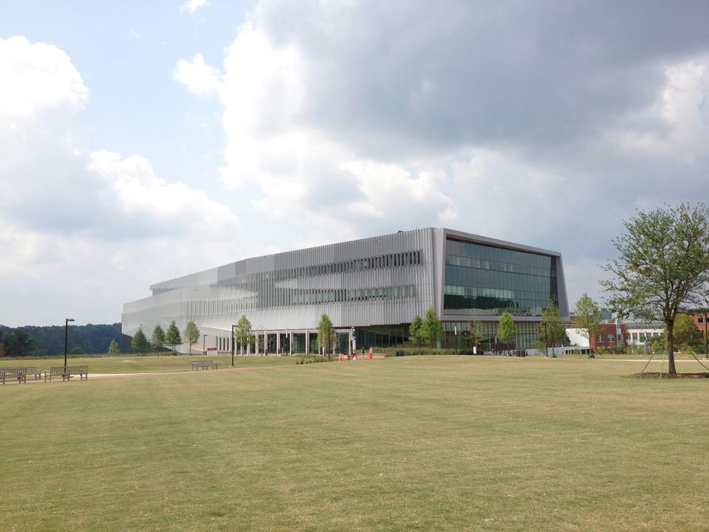 ncsu-hunt-library-exterior-4