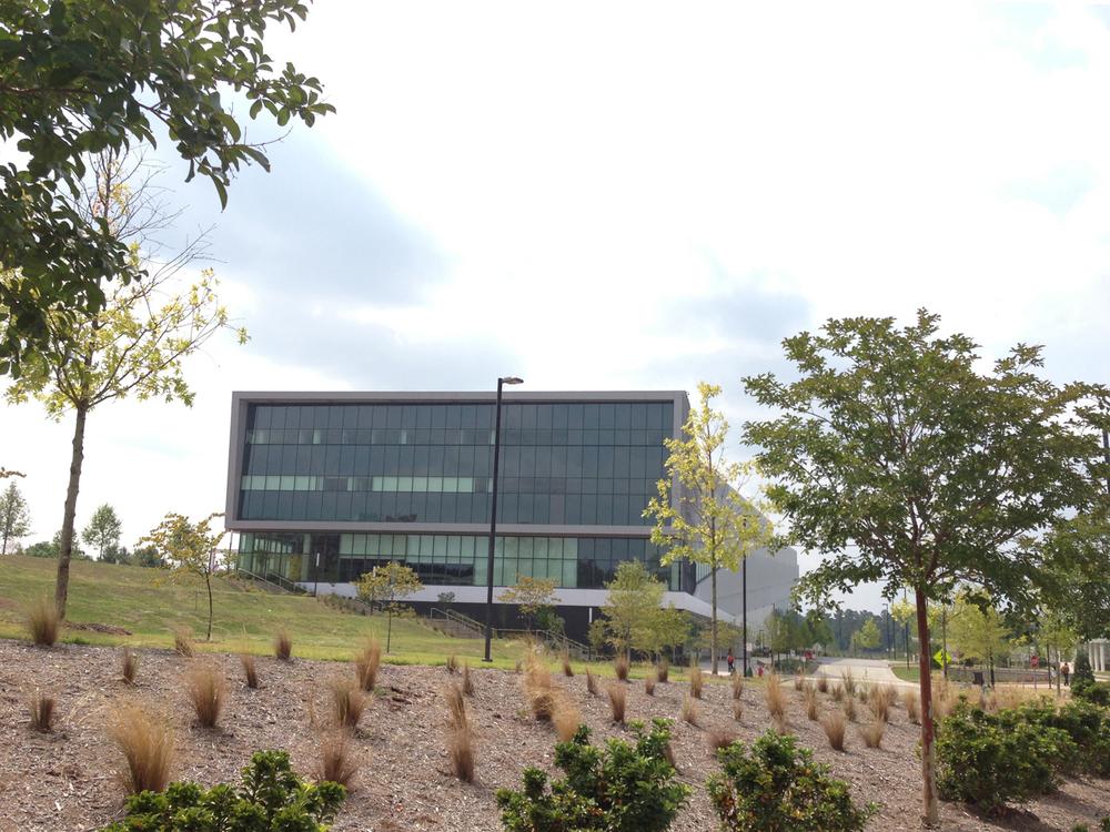 ncsu-hunt-library-exterior-1