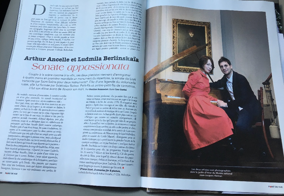 "French magazine ""Point de vue"" got interested in our story as a piano duet"