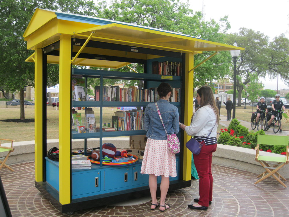 Book and Game Kiosk, Travis Park, San Antonio, Texas