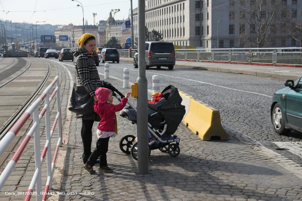New tram stops designed to the needs of pedestrians, especially parents and kidsm foto (c) Tomas Cach