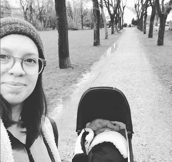 Lara strolling with her baby, photo: Lara Köck