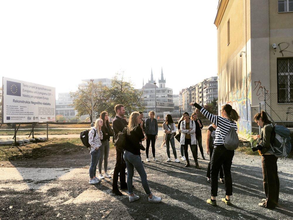 Prof. Wotha and her students analysing Prague 7 Bubny area, guided by architect Karolina Kripnerova  photo (c) Milota Sidorova