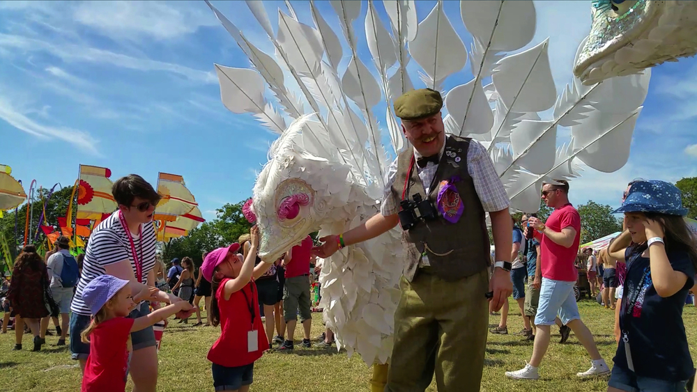 Major Apus with The Birds featuring Pinkey engaging with the children at Glastonbury 2015