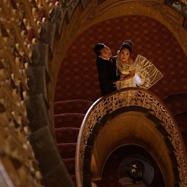 My body is on its way to get lunch but my mind is still at the #fairmount hotel at Phoung and Keit's wedding soaking up all the feels 😍 congrats again!! We had fun filming you guys. #fairmounthotel #seattlebride #vietnamesewedding #vietnamesegirl #bridalmakeup #vscoweddings #huffpostido #seattlewedding #bridalwear #customdress #wynwood #wynwoodwalls #seattle #weddingvideo #ikietyouknot
