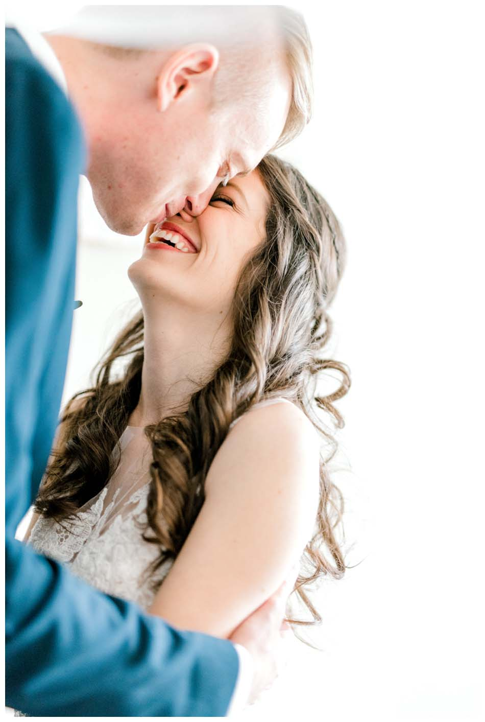 ocala-winter-haven-natural-wedding-photographer-candid-lifestyle-gainseville-florida-photography-st-pete-classic-vintage-bride-groom-teal_0303.jpg