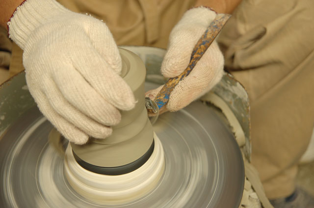 Forming Minoyaki on a Potters Wheel