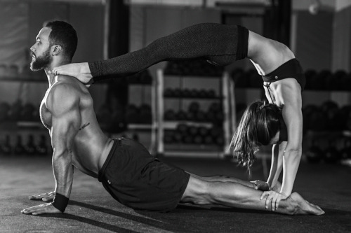 yoga couple circle.jpg