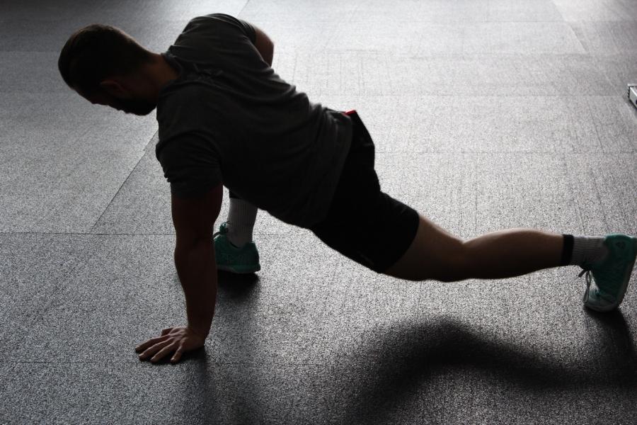 hip flexor stretch image #1.jpg