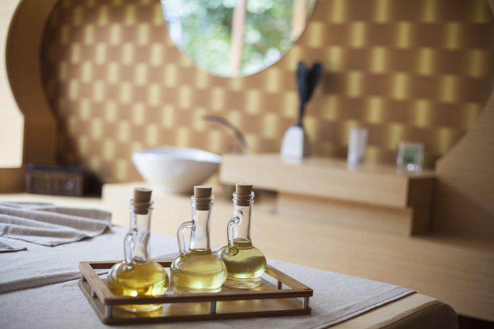 essential oil image.jpeg