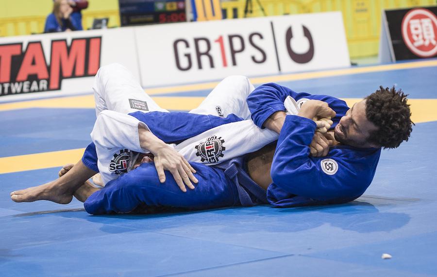 jiu-jitsu-fundamentals-white-belts main image.jpg