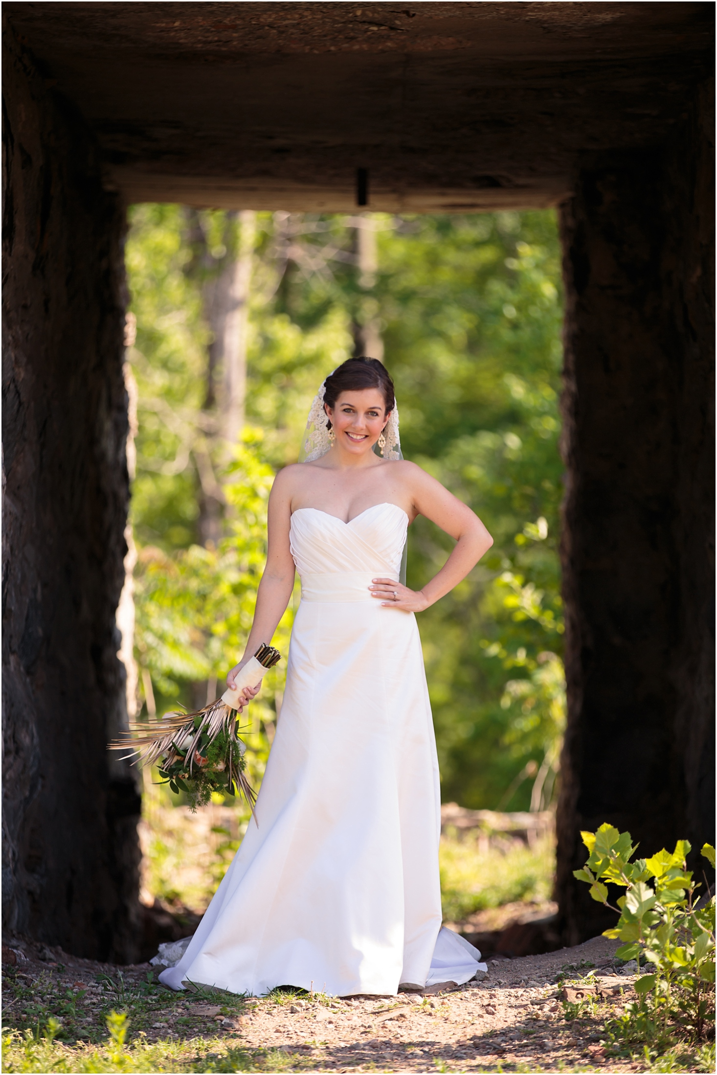outdoor-bridal-session-spartanburg (14 of 21)_blog.jpg