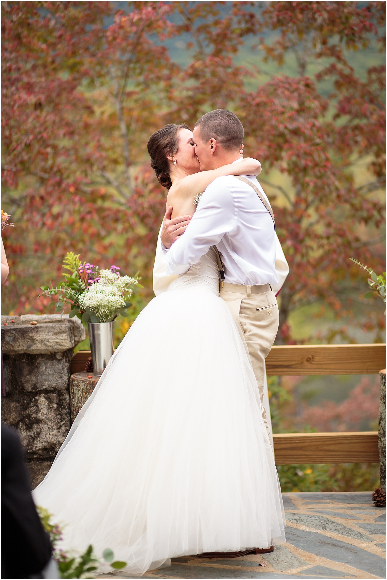 table-rock-outdoor-greenville-wedding (32 of 90)_greenville-wedding-ashley-amber-photo-WEB.jpg