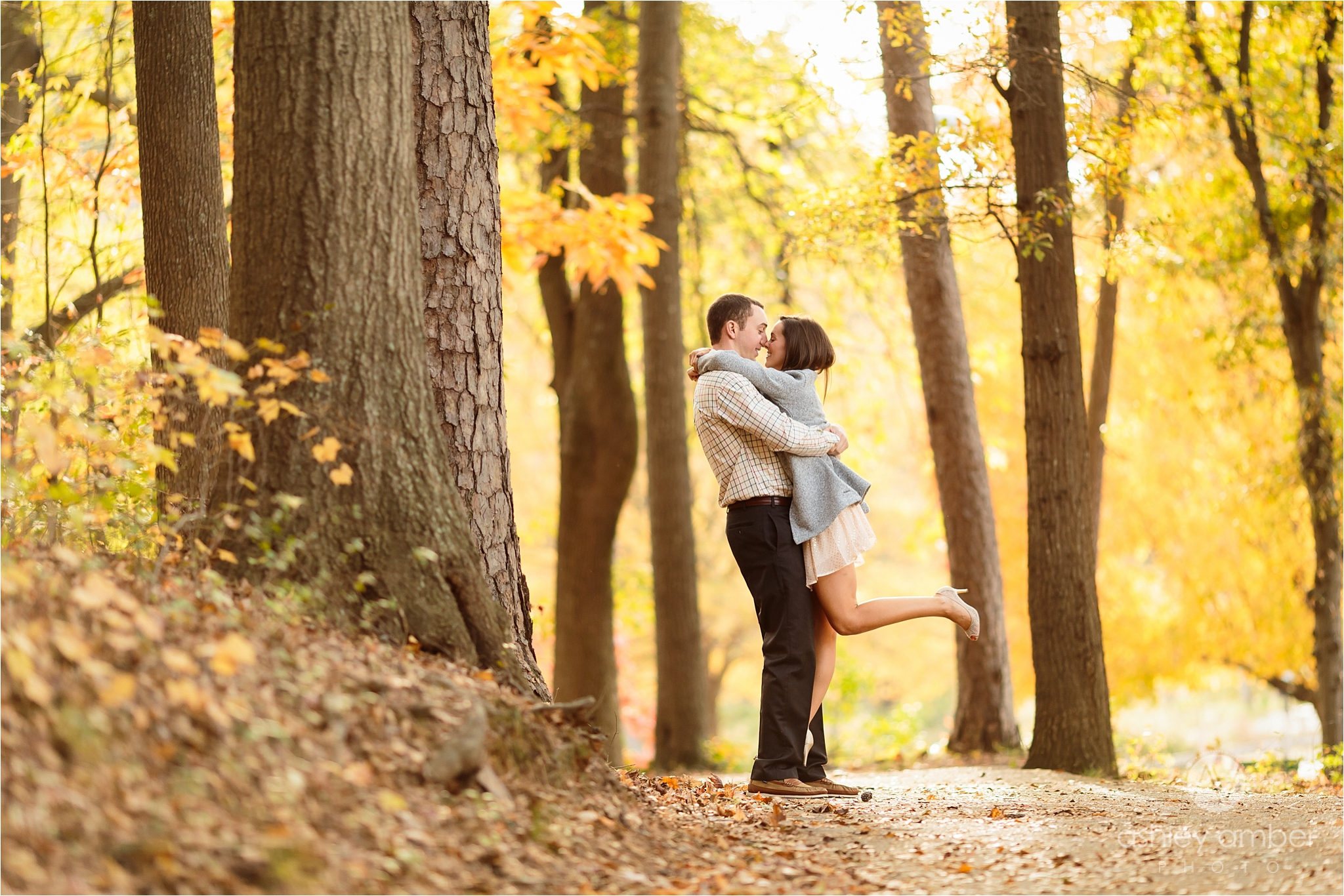 Gorgeous fall colors for beautiful engagement session