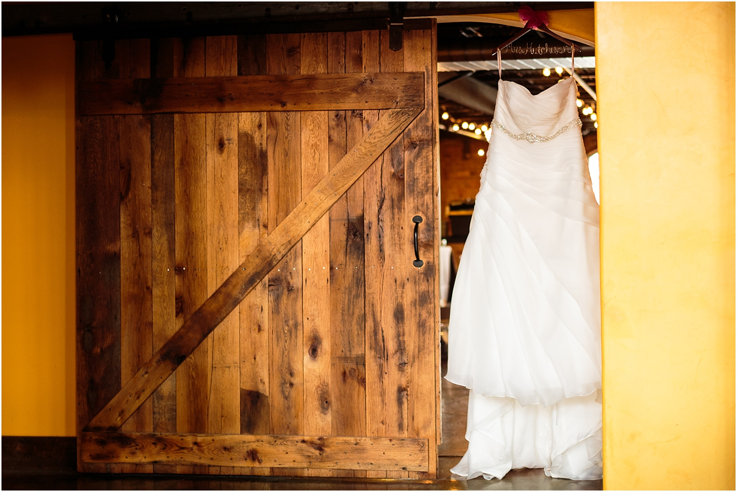 old-cigar-warehouse-wedding-photography-4_blog.jpg