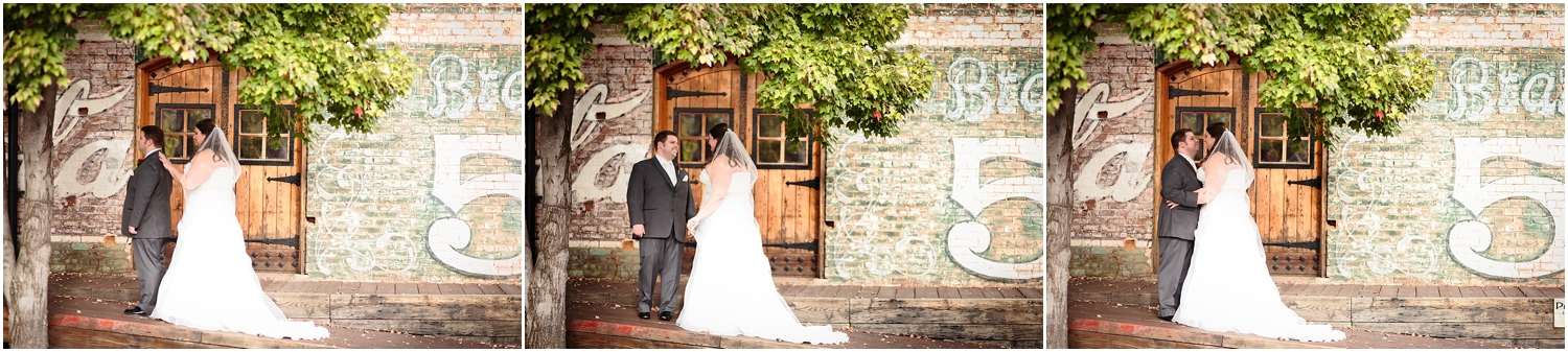 old-cigar-warehouse-wedding-photography-15_blog.jpg