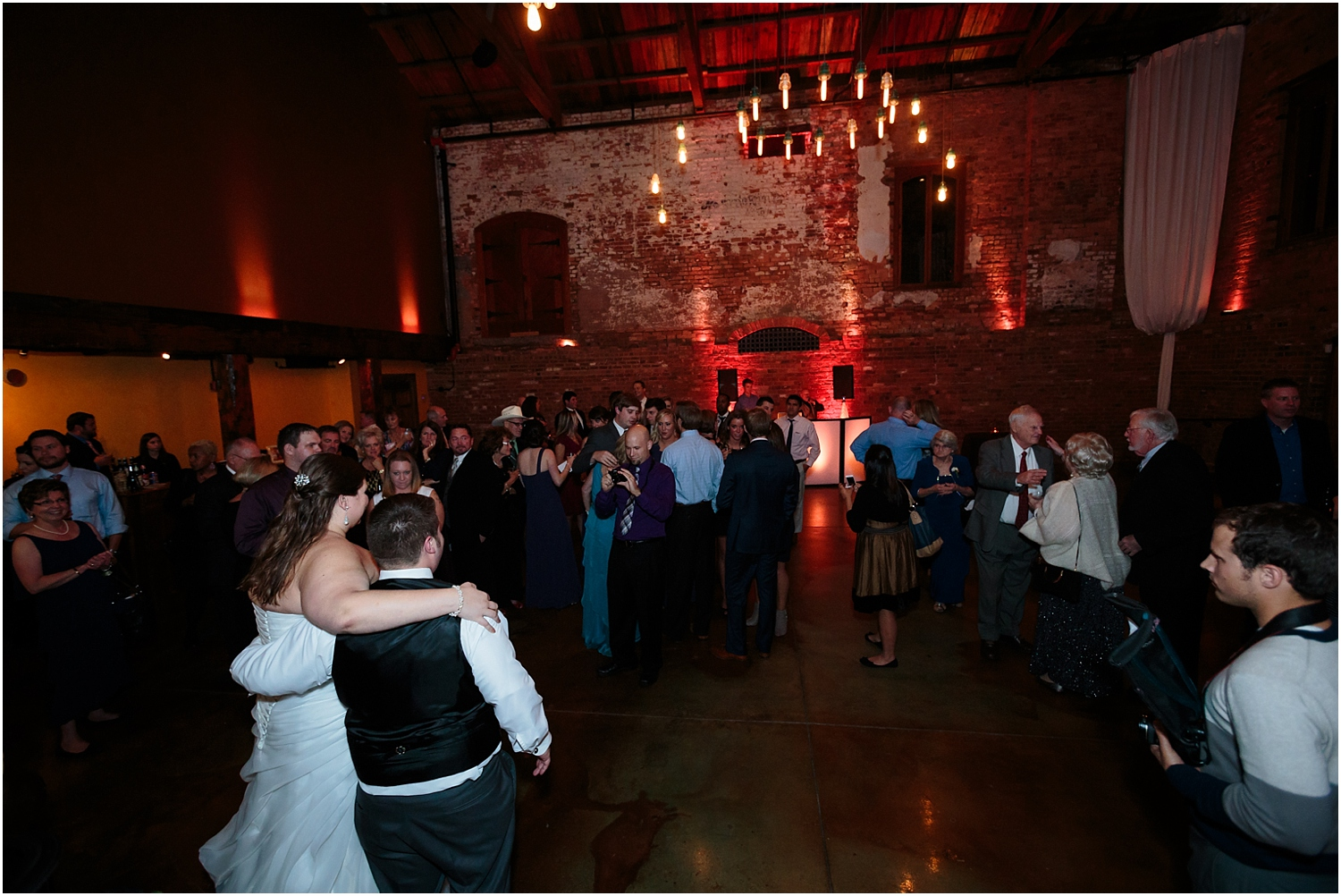 old-cigar-warehouse-wedding-photography-61_blog.jpg