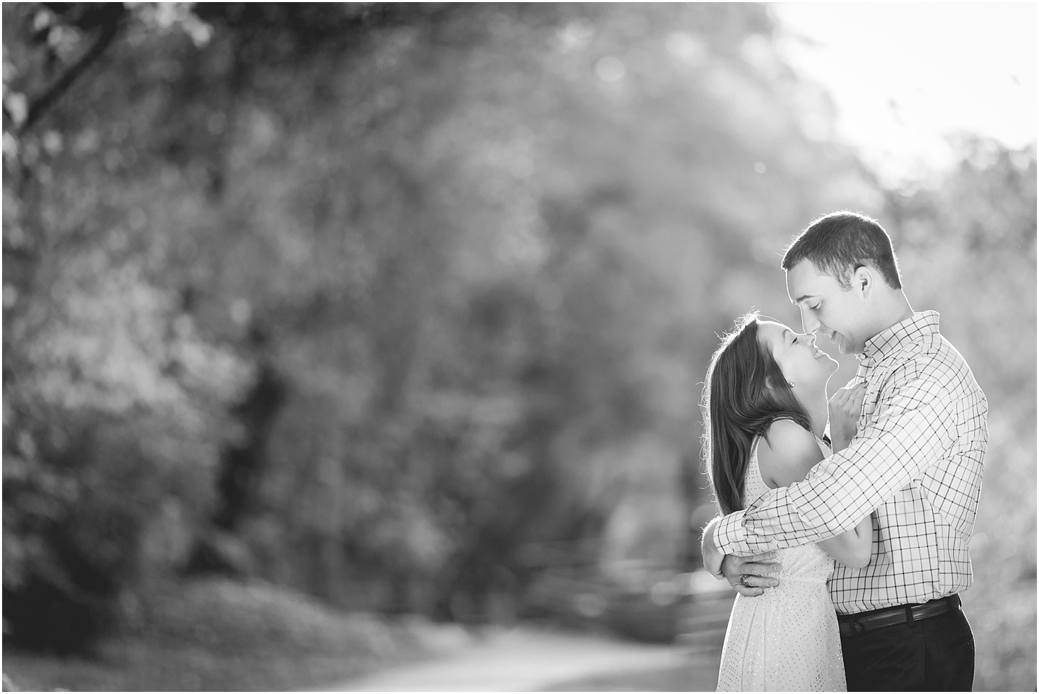 fall-engagement-session-downtown-greenville-photography-16_blog.jpg