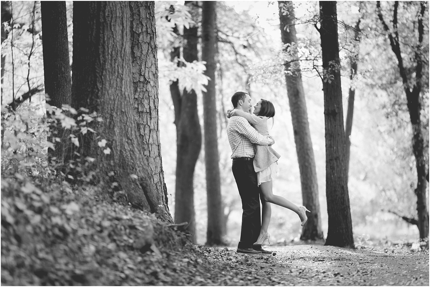 fall-engagement-session-downtown-greenville-photography-11_blog.jpg