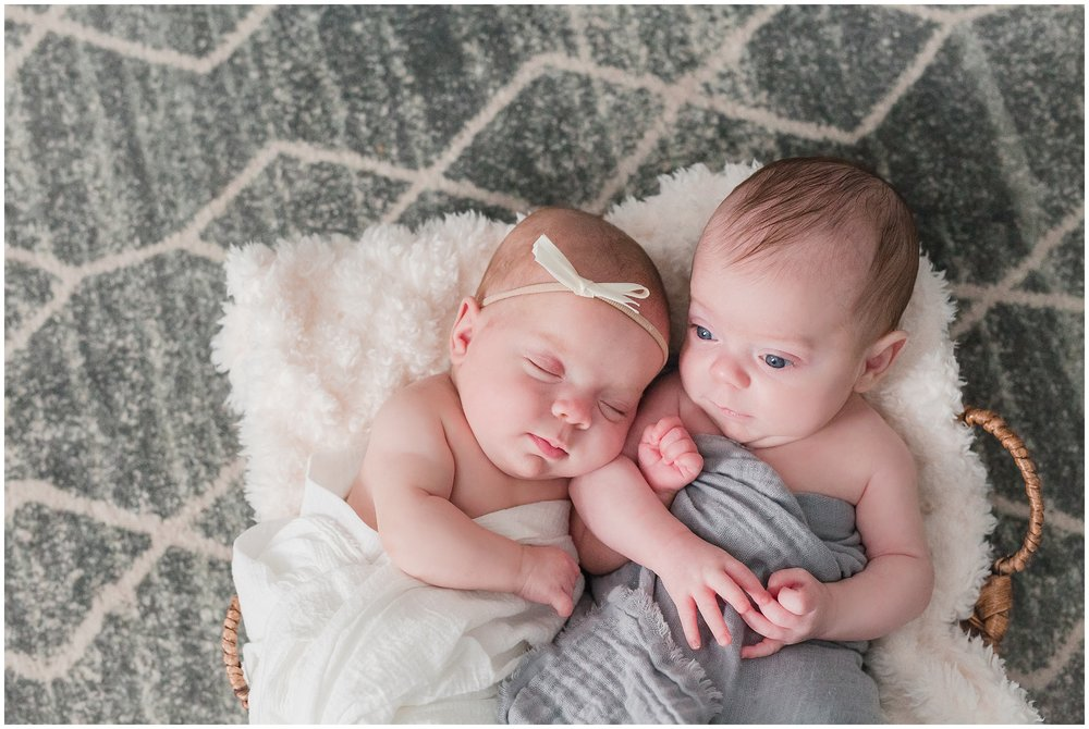 Family_Photos_at_home_Greenville_171218_Newborn_Glynn_Twins_042_stomp.jpg