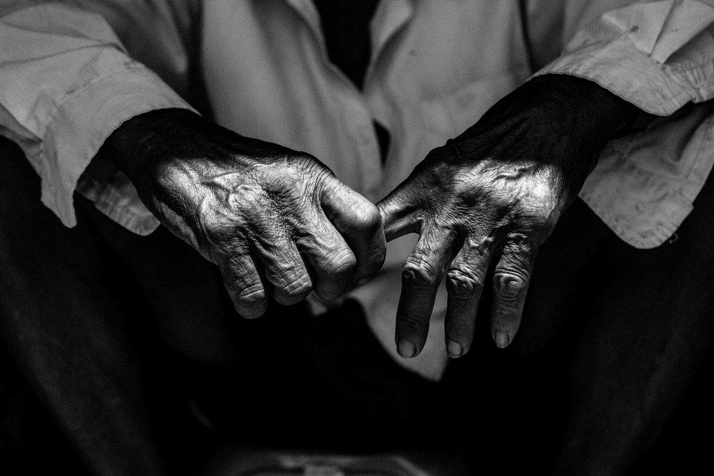 hands 01.jpg