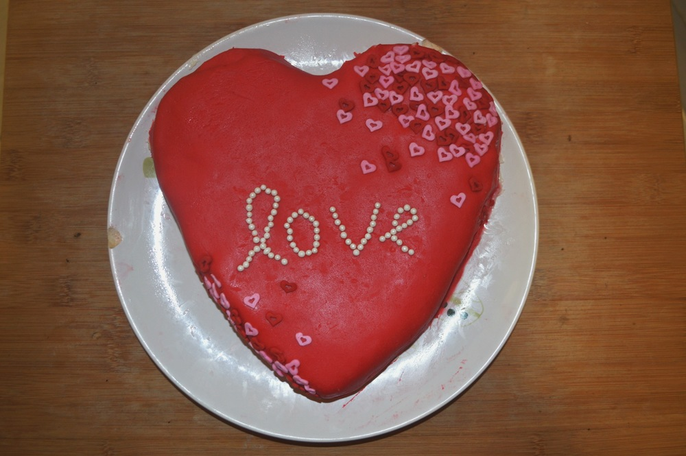 Valentine's Day Cake + Salt Water Vibes