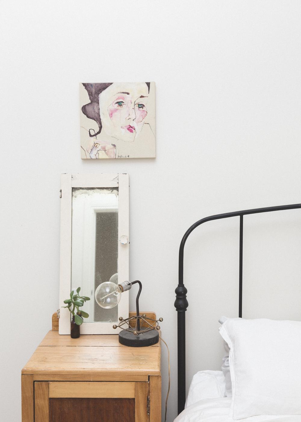 sharehomes bedroom bedside table peta alannah art