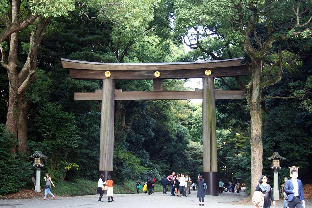 The Torii gate to enter the shrine