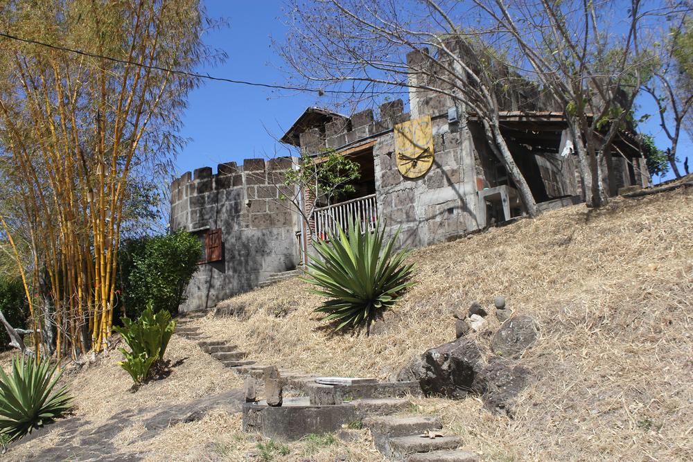 LD - Castillo de Cacao - het chocoladekasteel in de achtertuin van Harm van Oudenhoven.JPG