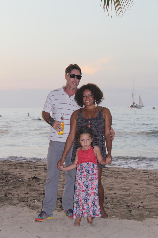Leidsch Dagblad :              'Waar kan je dit leven leiden?'   (Costa Rica)   Windsurfen, golfsurfen en het klimaat, dat waren de voornaamste redenen dat ik naar Costa Rica vertrok. Tijdens een afscheidsfeestje van een vriend deed ik een belofte. Op een Nederlandse vlag schreef ik...  Lees meer...