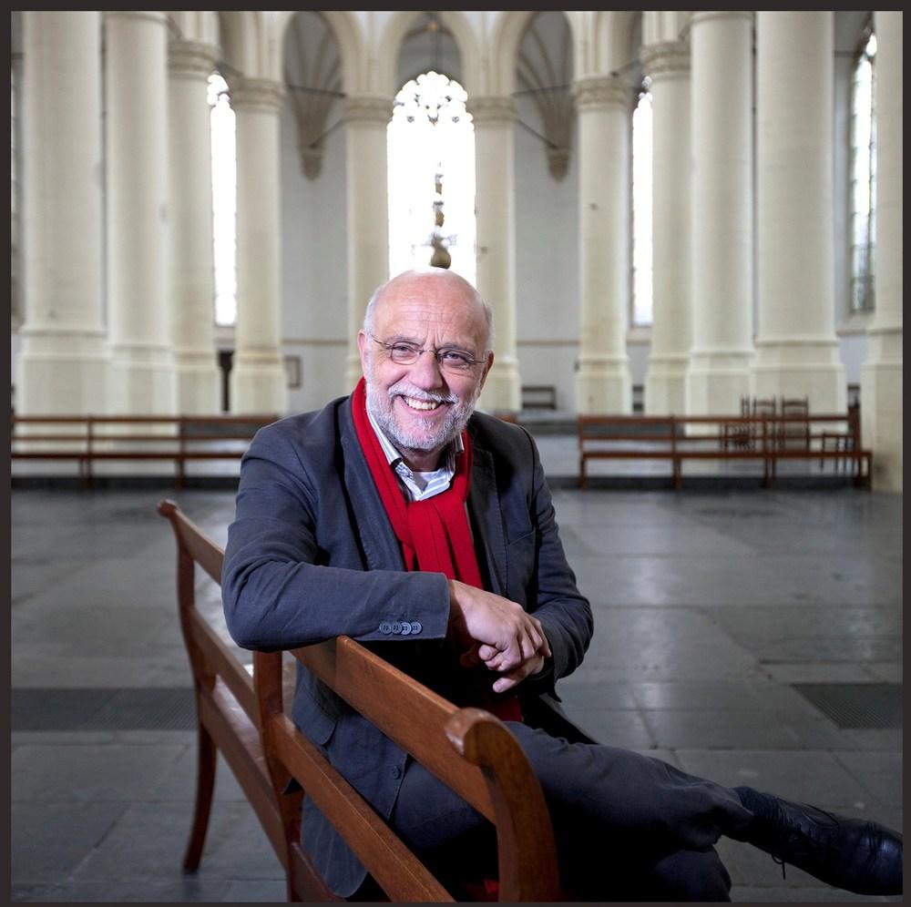 Leidsch Dagblad :   Twaalf A4-tjeskerstnotities   Wat leeft er in kerkelijk Leiden en omstreken en welke advents- en kerstboodschap geven de predikanten dit jaar aan hun bezoekers mee?  Lees meer...