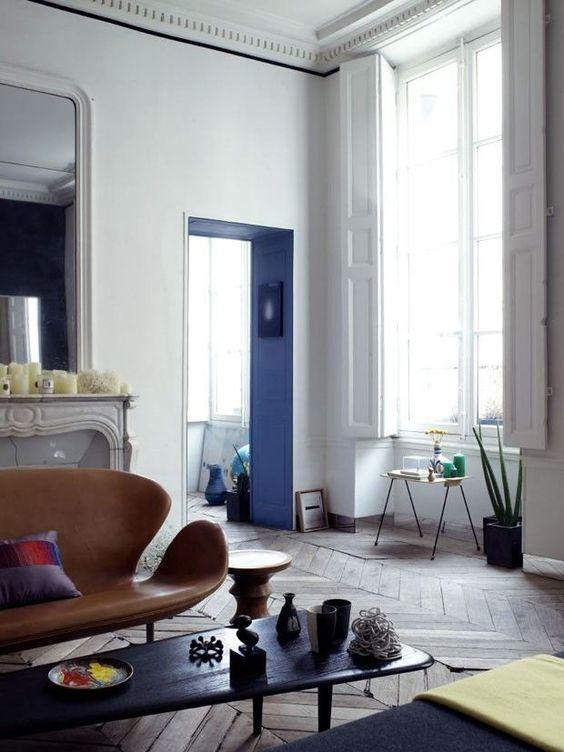 Blue threshold in classic/contemporary apartment