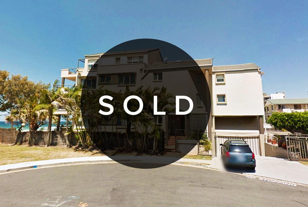 Twenty Third Avenue Palm Beach 4221  817sqm site BEACH FRONT