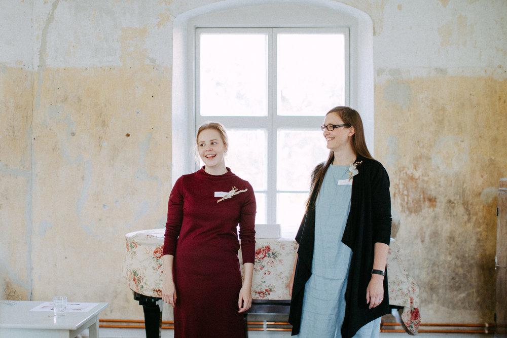 vas. Helmivillakon Eerika Oik. Petra Veikkola Photography