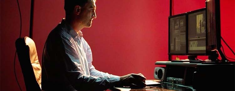 Estamos preparados para a realização de trabalhos transversais às diferentes áreas disciplinares da imagem em suporte digital em regime de aluguer ou de contratação. Contamos com profissionais experimentados e equipamento de última geração que nos permite disponibilizar um conjunto de serviços a preços acessíveis, como sejam: m    ontagem: c    orrecção de cor, a    rquivo ou mesmo conversões de qualquer tipo de suporte analógico para digital.