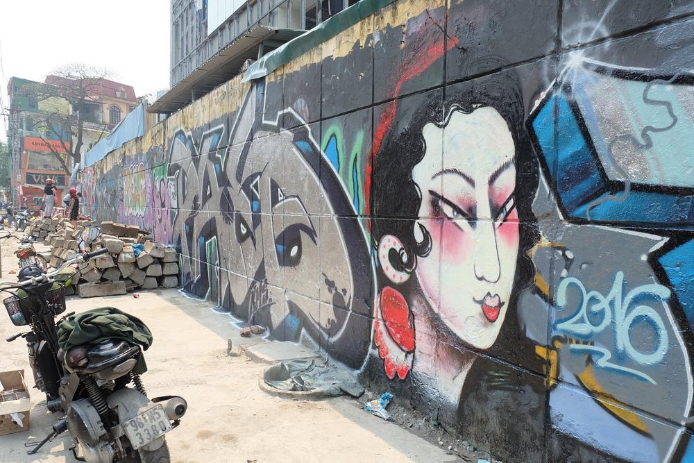 street-art-tag-hanoi.JPG