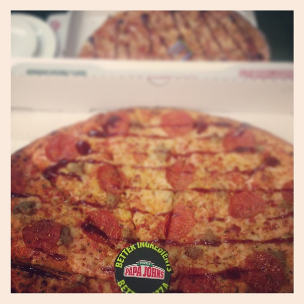 Pre pub pizza from Papa Johns - perfick! #pizza #papajohns