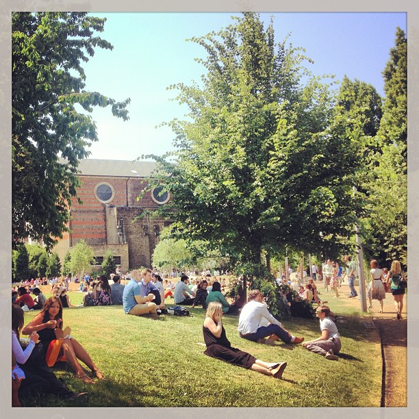 Spa Fields Park looking absolutely rammed at lunchtime - summer at last! #clerkenwell #onebigcompany #summeratlast