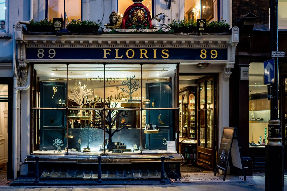 onebigcompany-design-london-art-direction-retail-marketing-window-display-floris-jermyn-street-christmas-2018-3.jpg