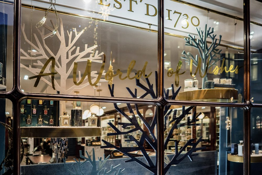 onebigcompany-design-london-art-direction-retail-marketing-window-display-floris-jermyn-street-christmas-2018-gold-window-vinyl.jpg