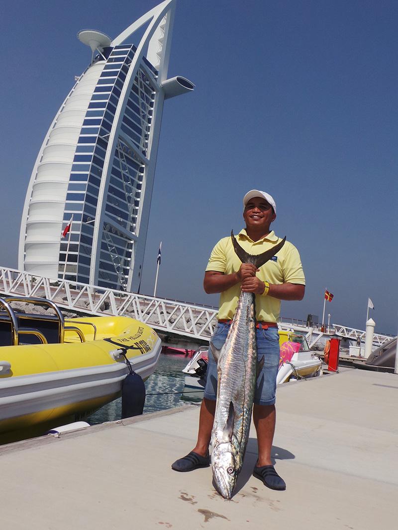 Dubai-fishing-burj-khalifa.jpg