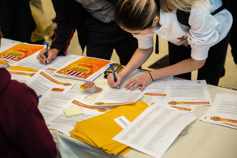 Loyola students participated in letter-writing campaigns to ask their congressional representatives to pass the DREAM Act. (Photo: Dominique Ochoa)