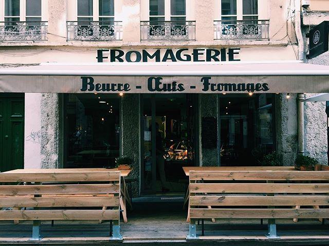 Nota instagrêmica: nunca mais voltar à França fazendo dieta restritiva de leite (também conhecido por MANTEIGA e QUEIJO) 😩😢