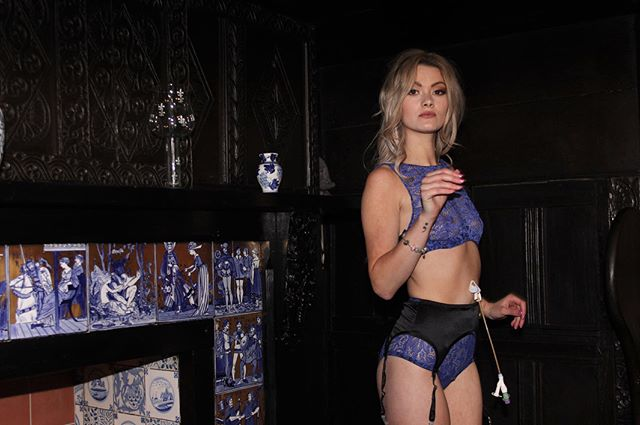 Our Royal Blue Padded Bra is available in sizes: 32C, 32DD, 34B, 34DD, 36C, 36B, 38C 38D! Get them before they run out! Because once they're GONE they're GONE! ——————————————————————— #jsc#jasminestaceycollection #lingerie#lingerielove #crohns #IBD#ostomy #bodypositive #diversityinfashion #loveyourself #model#instamood #feelgood #colitis #lingerieblogger #bopo #embraceyourself #scars #scarsarebeautiful #stoma #luxurylingerie