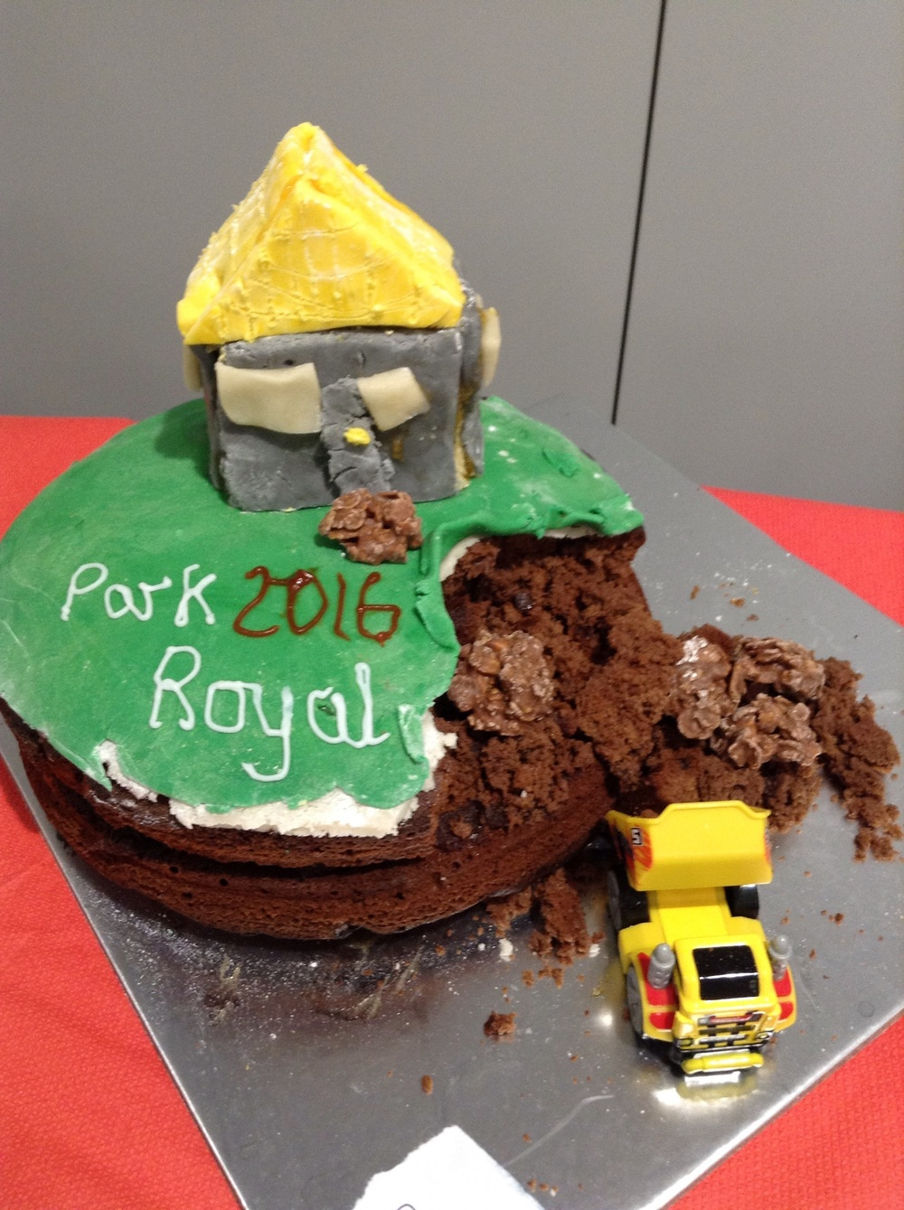 Rosalynn from 3CHP wowed our judges with her construction site inspired cake! It was chocolate heaven.