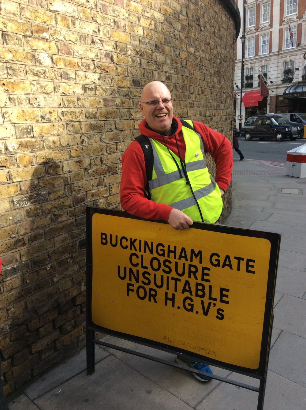 Wide loads need to take care....