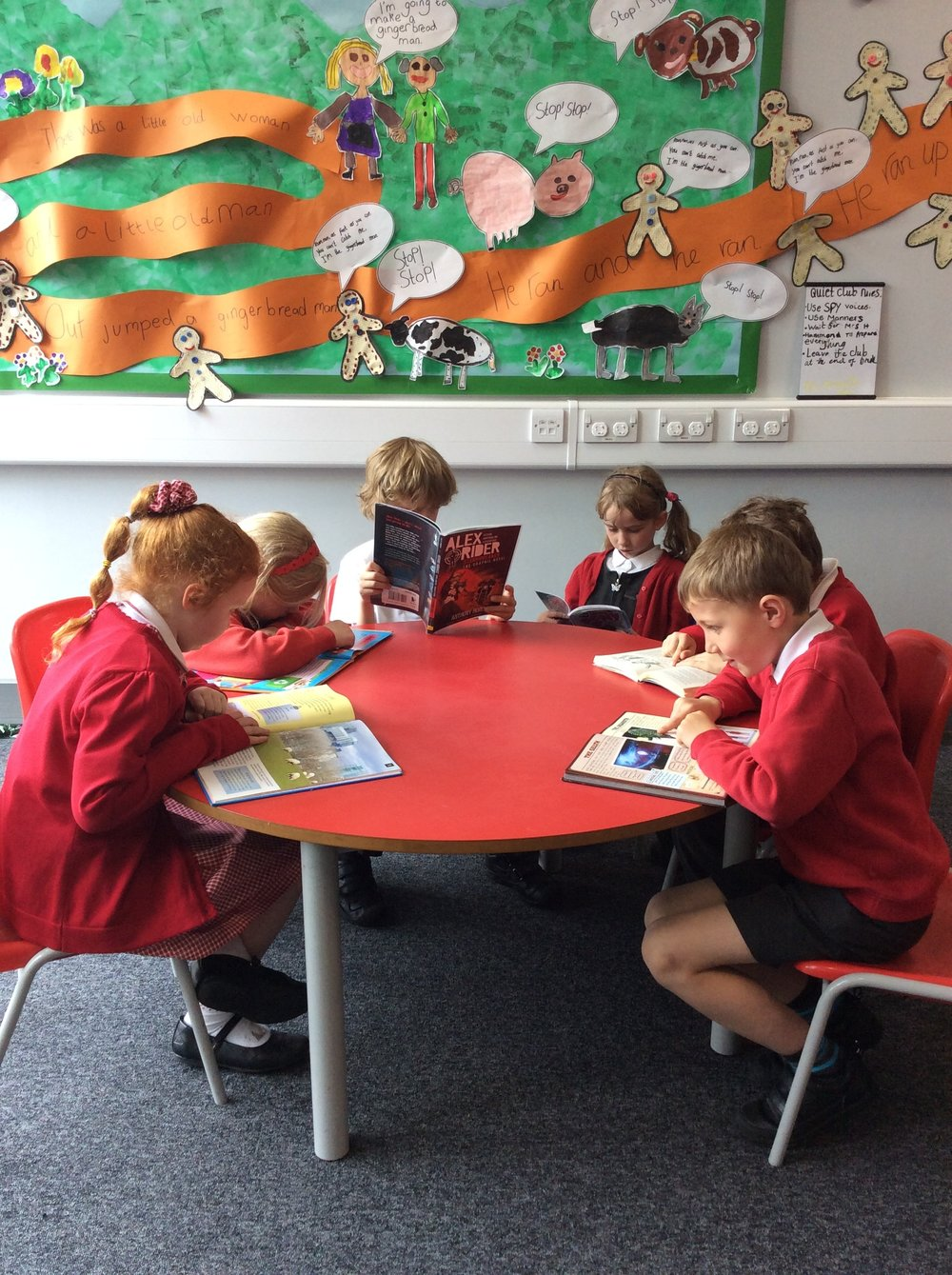 Year 2s reading their books