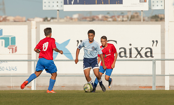 A DUSC Travel player faces opponents in Madrid, Spain.