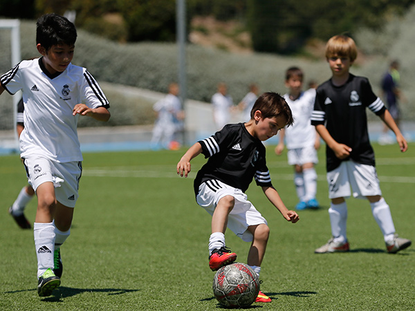 DUSC-downtown-united-soccer-club-youth-new-york-city-real-madrid-camp-04.jpg