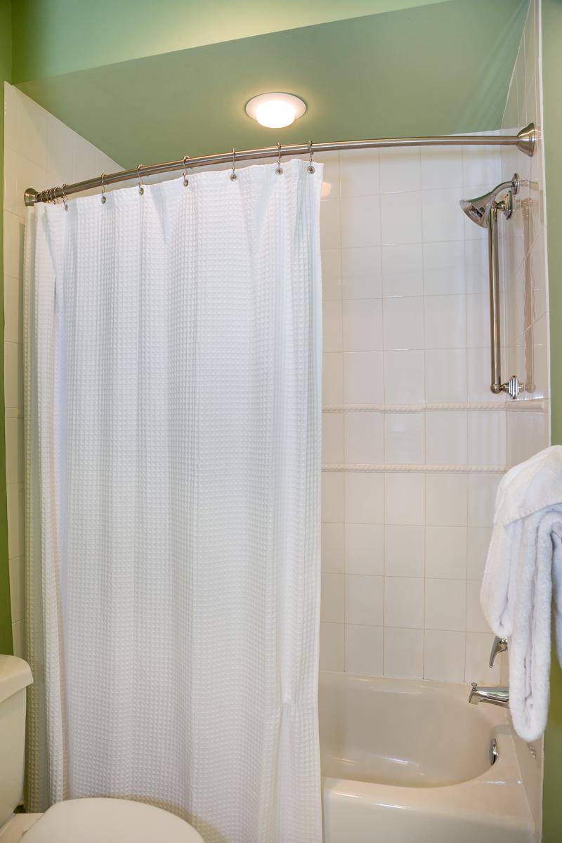 Donax Guest Shower.jpg